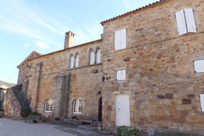 eglise-cours-prieure-st-michel-de-grandmont