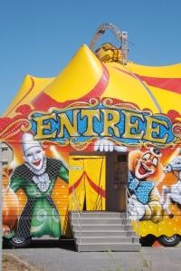 entree-du-cirque