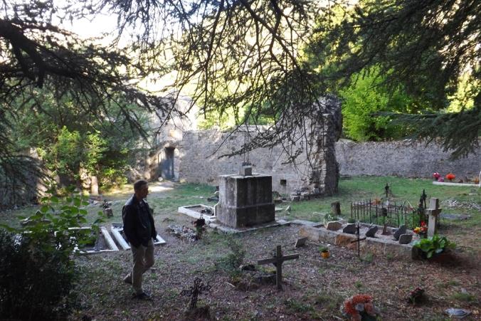 frederic-hameau-de-navacelles-cimetiere