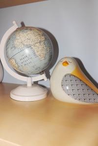 mappemonde-et-oiseau