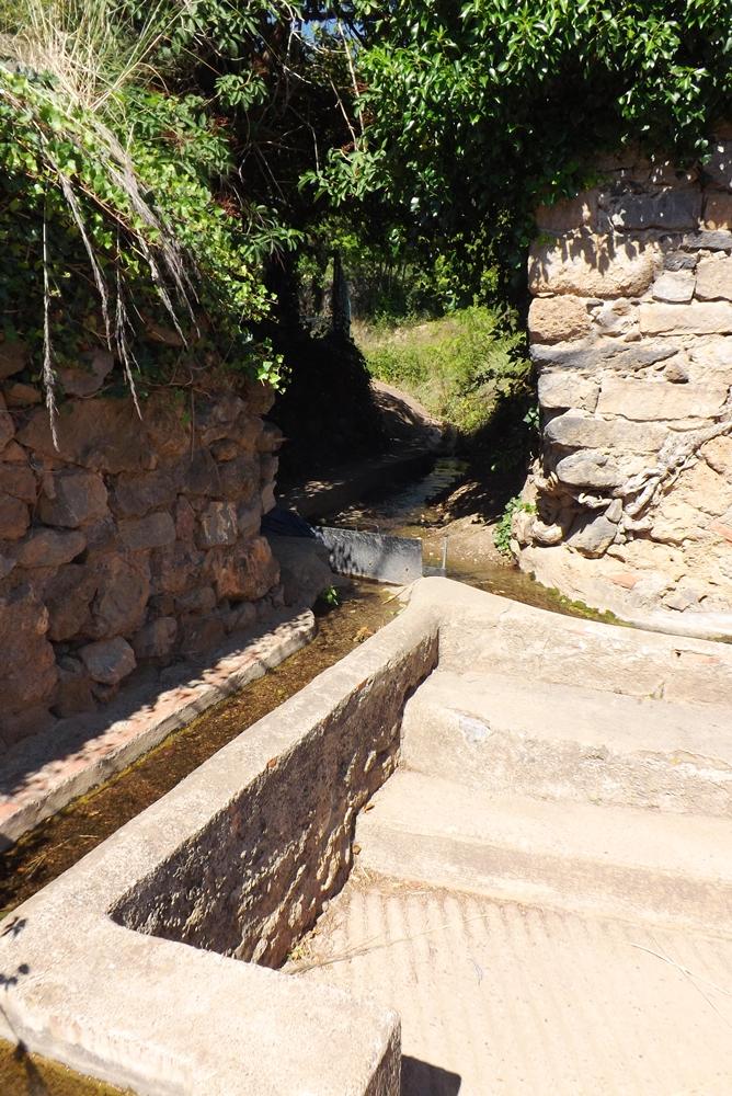 rigoles-irrigation-jardins-de-vailhan