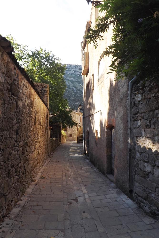 rue-hameau-de-navacelles