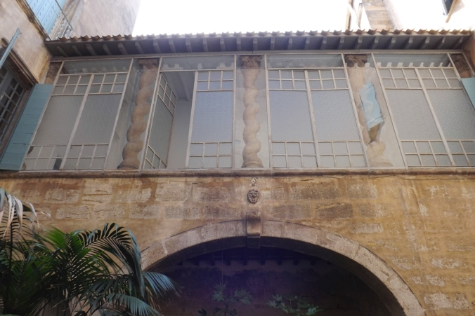 les-colonnes-de-lhotel-dalfonce