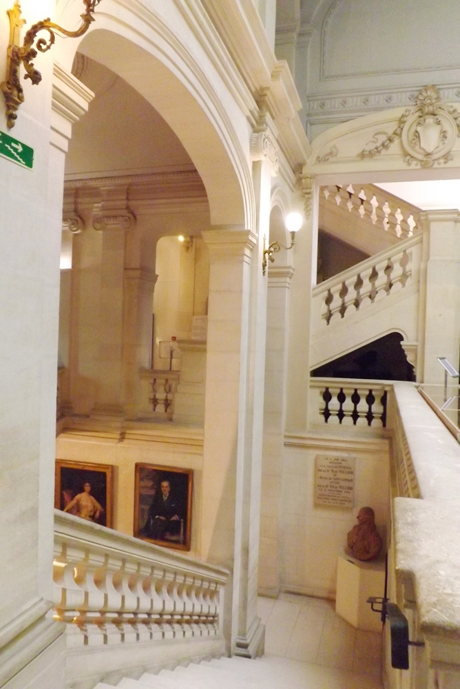 escalier monumental musee vulliod pezenas