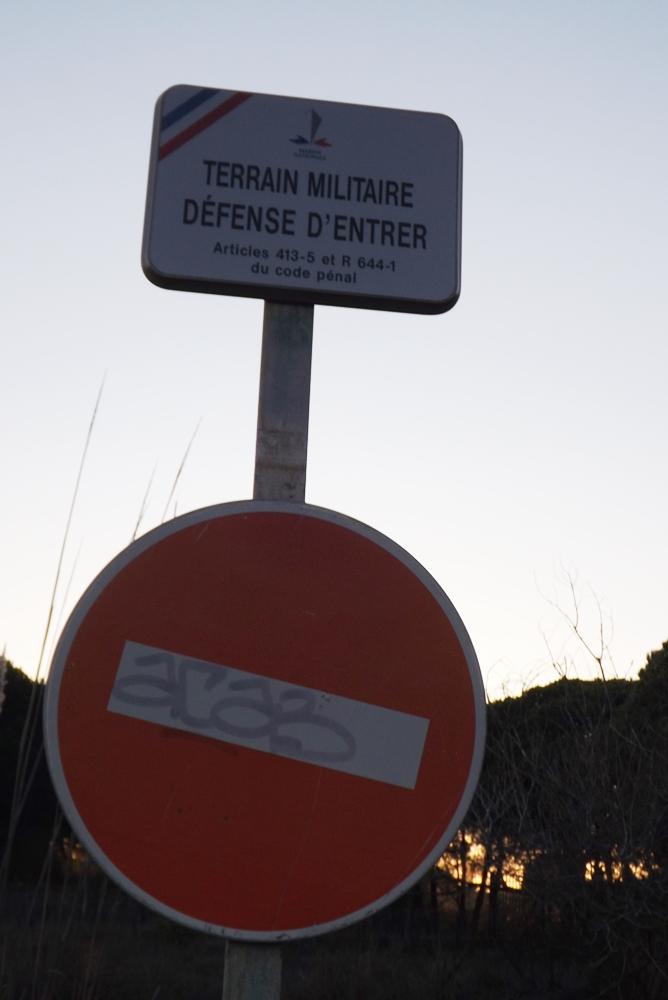 terrian-militaire-espiguette-le-phare